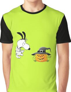 snoopy halloween Graphic T-Shirt
