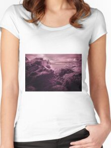 Infra Red Seaweed Rock , Broad Haven, Pembrokeshire Women's Fitted Scoop T-Shirt