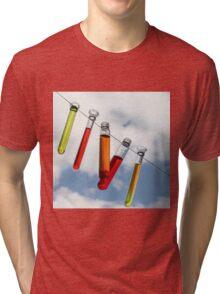 farbige Reagenzgläser Tri-blend T-Shirt