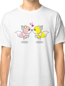 Foxes in Love Classic T-Shirt