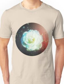 VINTAGE WHITE FLOWER INDIA Unisex T-Shirt