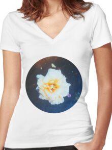 VINTAGE WHITE FLOWER Women's Fitted V-Neck T-Shirt