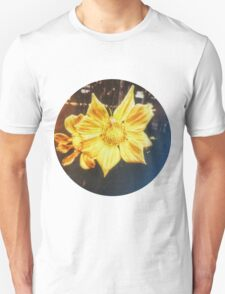 VINTAGE GOLD FLOWER Unisex T-Shirt
