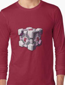 Companion cube has a heart Long Sleeve T-Shirt
