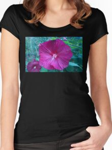 .Trumpet Flowers. Women's Fitted Scoop T-Shirt