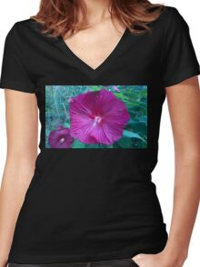 .Trumpet Flowers. Women's Fitted V-Neck T-Shirt
