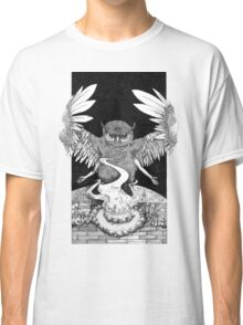 Calling of the owl Classic T-Shirt