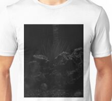 #NocteProfectusEst 05 Unisex T-Shirt