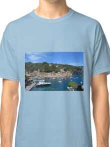 6 August 2016 Natural scenery with sea and yachts from Portofino vacation resort, an Italian fishing village, Genoa province, Italy. Classic T-Shirt