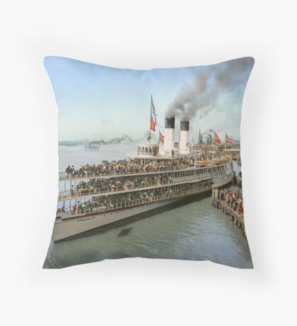 Sidewheeler Tashmoo leaving wharf in Detroit, ca 1901 Colorized Throw Pillow