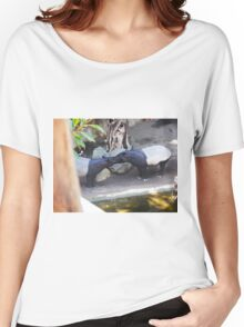 Tapirs kissing Women's Relaxed Fit T-Shirt