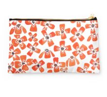 Red Daisy Dream Studio Pouch