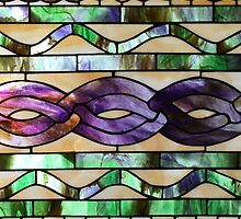 Stained glass imitates knitted cables by knititude