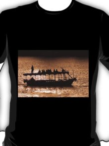 Boat in the Nilo, Aswan T-Shirt