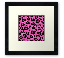 Seamless pink leopard texture pattern. Fashion Leopard skin Framed Print