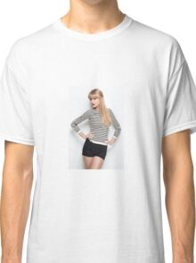 Taylor swift red cover Classic T-Shirt