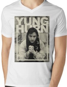 yung hurn Mens V-Neck T-Shirt