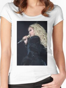 QUEEN B - FORMATION Women's Fitted Scoop T-Shirt