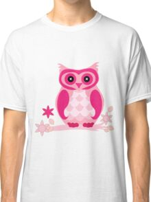 the pink owl by hangaintan Classic T-Shirt