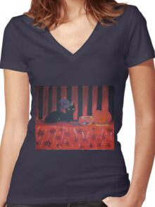 Black Cat In Halloween Hat Women's Fitted V-Neck T-Shirt