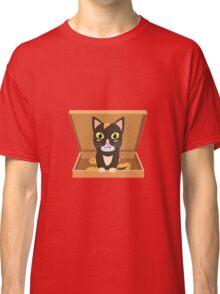 Cat in a pizza box   Classic T-Shirt