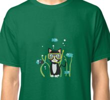 Underwater diving cat with fish Classic T-Shirt