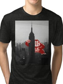 Donkey kong, NY Empire State building Tri-blend T-Shirt