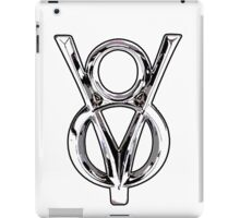 V8 Logo iPad Case/Skin