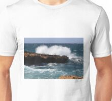 Waves on the rocks - 136770 Unisex T-Shirt