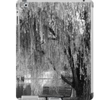 Weeping Willow in Black and White iPad Case/Skin