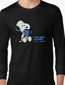 Snoopy reading a book Long Sleeve T-Shirt