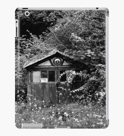 Garage Jungle iPad Case/Skin