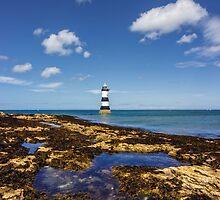 Trwyn Du Lighthouse by Ian Mitchell