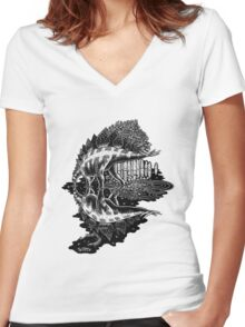 Stegosaurus Women's Fitted V-Neck T-Shirt