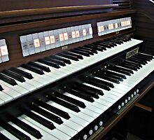Heavenly Music - Organ Keyboard by BlueMoonRose