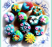 Petit fours  by ©The Creative  Minds