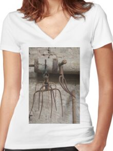 old pitchfork for hay Women's Fitted V-Neck T-Shirt