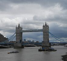 Tower Bridge by Caitykinns