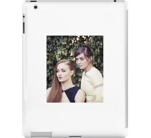 sophie turner and maisie williams / mophie iPad Case/Skin