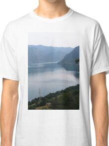 lake scape Classic T-Shirt
