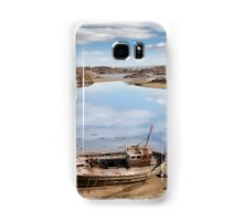 old beached fishing boat on Irish beach Samsung Galaxy Case/Skin