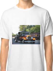 1932 Ford 'Fenders and Flames' Coupe Classic T-Shirt