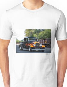 1932 Ford 'Fenders and Flames' Coupe Unisex T-Shirt