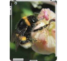 Bumble on a bud iPad Case/Skin