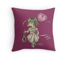 Mumien Mädchen Throw Pillow