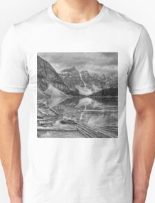 Moraine Rocks in grey T-Shirt