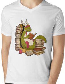 Book wyrm Mens V-Neck T-Shirt