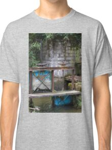 closed on the river Classic T-Shirt