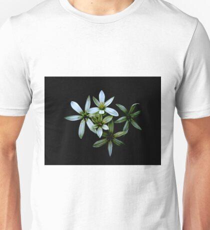 flores  Unisex T-Shirt