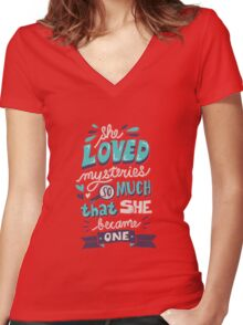 Paper Towns: Mysteries Women's Fitted V-Neck T-Shirt